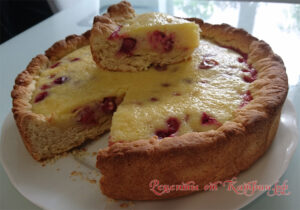 Заливной открытый ягодный пирог. Интересный вариант сметанника